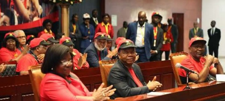 "Angola: Fear of Losing Power ""Wakes Up"" MPLA"